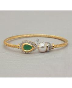 Designer Bracelet in CZ pearl emerald
