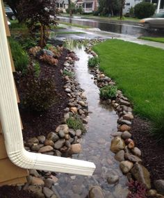 Take advantage of the rain Outdoor Living, Outdoor Decor, Outdoor Spaces, Diy Yard Decor, Outdoor Ideas, Balcony Decoration, Outdoor Life, Front Yard Landscaping, Country Landscaping