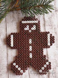 Christmas Gingerbread Man Perler Fuse Beads - Pattern: http://www.pinterest.com/pin/374291419006542813/
