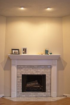 Fireplace renovations idea DIY Show Off ™ - DIY Decorating and Home . Fireplace Remodel, Diy Fireplace, Fireplace Design, Renovate Fireplace, Corner Fireplaces, Fireplace Update, White Fireplace, Home Renovation, Home Remodeling