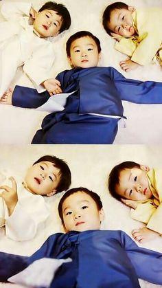 Song Brothers ♡ Cute Kids, Cute Babies, Baby Kids, Song Il Gook, Triplet Babies, Superman Kids, Korean Tv Shows, Song Triplets, Song Daehan
