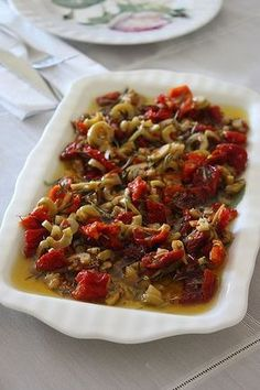 Breakfast & spices olive oil MATERIALS cup extra virgin olive oil 4 … - Food and Drink Turkish Recipes, Ethnic Recipes, Vegetarian Breakfast Recipes, Appetizer Salads, Cooking Recipes, Healthy Recipes, Perfect Food, Salad Recipes, Good Food