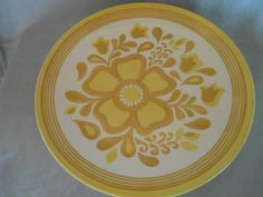 2 or 4 Cavalier Ironstone Damsel Dinner Plates White with Yellow Daisy - Royal China 1960 Flower Power ! by CheekyBirdy on Etsy