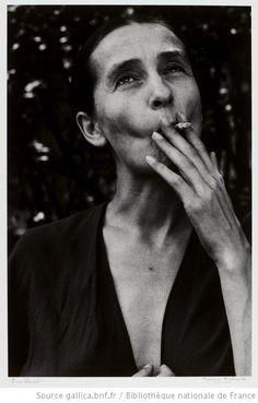 [Pina Bausch / portrait de Fernand Michaud] - 1