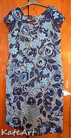 Платье вязаное в технике ирландского кружева Синие розы - синий,цветочный
