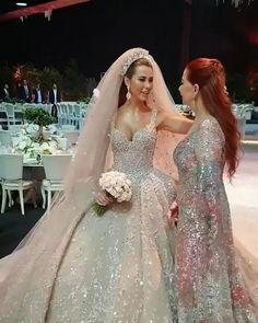 Wedding Dress Bustle, Fancy Wedding Dresses, Gold Bridesmaid Dresses, Luxury Wedding Dress, Bridal Dresses, Dream Wedding, Debut Dresses, Beautiful Bride, Lace Wedding Dresses