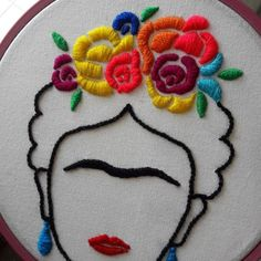 How to learn to make ZERO EMBROIDERY (without knowing anything!) - If you have the greatest desire to learn to make hand embroidery, simply as a hobby or to become a - Hand Embroidery Videos, Flower Embroidery Designs, Creative Embroidery, Simple Embroidery, Hand Embroidery Stitches, Embroidery Fashion, Embroidery Hoop Art, Ribbon Embroidery, Knitting Stitches