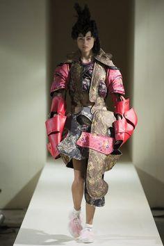 Comme des Garçons Fall 2016 Ready-to-Wear Collection Photos - Vogue