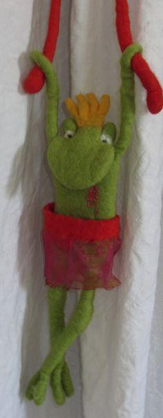 Meine Nichte wird dieses Jahr eingeschult und wünschte sich eine Froschkönigin an ihrer Schultüte, und als ich dies zufällig sah, dacht...