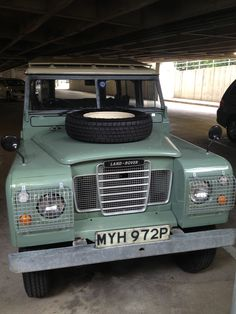 Land Rover Series III - The Bee Keeper
