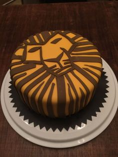 Pretty Photo of Lion Birthday Cake . Lion Birthday Cake Lion King The Musica… Pretty Photo of Lion Birthday Cake. Lion Birthday Cake Lion King Musical Birthday Cake Creative Sweets Cakes In Lion King Wedding, Lion King Party, Lion King Birthday, Lion Birthday Party, Sweets Cake, Cupcake Cakes, Lion King Cupcakes, Musical Rey Leon, Lion Cakes