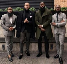 A Beginners Guide to Choosing, Buying, and Wearing a Men's Suit ~ Fashion & Style Black Men Beards, Black Suit Men, Men In Black, Gentleman Mode, Dapper Gentleman, Gentleman Style, Big Men Fashion, Mens Fashion Suits, Urban Fashion