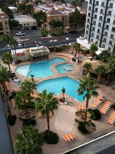 are las vegas hotel pools heated