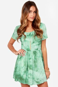 The Psyche-delight Green Tie-Dye Dress has soft woven fabric covered is green tie-dye to appeal to your psychedelic side and a classic fit and flare shape. Tie Dye Dress, Dress Up, Juniors Clothing Online, Outfits For Teens, Cute Outfits, Music Festival Fashion, Tie Dye Outfits, Green Tie, Bohemian Look