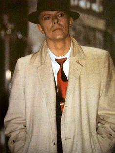 Still looks like Dick Tracy.