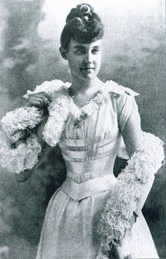 Princesse Hélène d'Orléans (1871-1951) duchesse d'Aoste, épouse du duc Emmanuel-Philibert