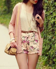 .floral shorts, summer outfit