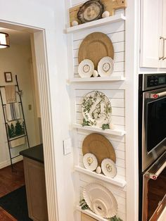 Plate ledges dressed for spring Kitchen Redo, New Kitchen, Kitchen Remodel, Kitchen Design, Dressing Design, Rooms For Rent, Plates On Wall, Plate Wall, Country Kitchen