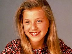 Who plays Stephanie Tanner?