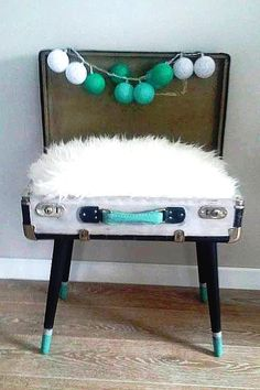 bed for cat DIY // old suitcase // legowisko dla kota ze starej walizki