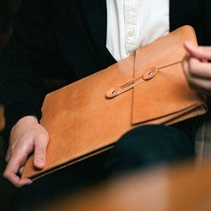 A Must Have: Handmade Leather Goodness from LORAY:N