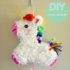 (instructions in Spanish) My Little Pony Party, Fiesta Little Pony, Unicorn Birthday Parties, Diy Birthday, Unicorn Party, Pinata Party, Crafts For Kids, Diy Crafts, Party Time