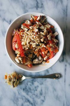 The Petite Professional | (Paleo) Recipe Week Day 1: Spaghetti Squash Stir Fry | http://www.thepetiteprofessional.com