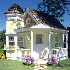 Small Yellow Victorian...love this!