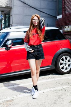 TOP   9BY912 SKIRT   MISCHIEF SUNGLASSES   MISCHIEF SHOES   NIKE Street Style…