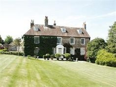 Sleeps 16 in West Sussex