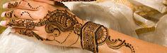 Bridal Henna and Bridal Mehndi by Henna and Mehndi Artists in London Modern Henna Designs, Bridal Henna Designs, Henna Designs Easy, Beautiful Henna Designs, Mehndi Designs For Hands, Mehandi Designs, Bridal Jewelry Vintage, Wedding Mehndi, Bridal Shower Rustic