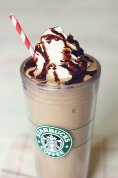 {Skinny Starbucks Frappuccino} Interesting..... cottage cheese?!? Would you try it?