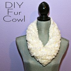 DIY Faux Fur Cowl - LOVE this, easy to make too. Christmas gifts?