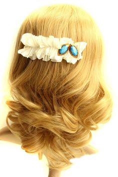 The hair clip barrette made of chiffon, featuring double sapphires to side, fungus design. It makes you sweet and fashion.$20