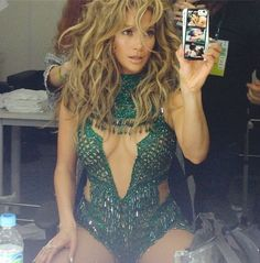 Autre férue du trikini : J-Lo ! Elle porte ici une variante spécial Brésil
