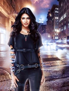 Emeraude Toubia as Isabelle Lightwood #Shadowhunters