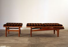 """daybed adjustable chaise/ daybed solid teak loose fabric-covered cushion design / Hans Wegner 1955 <div class=""""post_footer_conte"""
