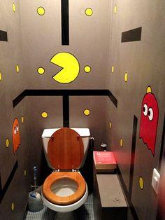 Decorating a Game Room Kids Toilet, Small Toilet, Deco Wc Original, Bar Geek, Deco Gamer, Deco Cool, Geek Room, Minimalist Bathroom Design, Geek Decor