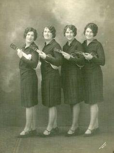 Ukulele ladies 2