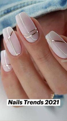 Chic Nails, Stylish Nails, Classy Nails, Elegant Nails, Subtle Nails, Neutral Nails, Gold Glitter Nails, Pink Nails, Nude Nails