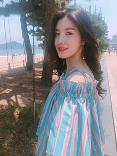 Image discovered by lost. Find images and videos about kpop, k-pop and pristin on We Heart It - the app to get lost in what you love. South Korean Girls, Korean Girl Groups, Asian Woman, Asian Girl, Pledis Girlz, Jung Hyun, Ulzzang Girl, Your Girl, Girl Crushes