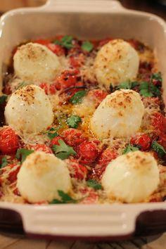 PARMESAAN-EIERS - Die Nataniël Tafel Vegetable Snacks, Vegetable Salad, New Recipes, Cooking Recipes, Healthy Recipes, Breakfast Recipes, Dessert Recipes, Desserts, South African Recipes