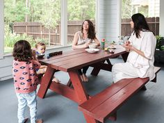 Working Moms: General Public Goods Talking babes and biz with some of our fave pregnant Texans.