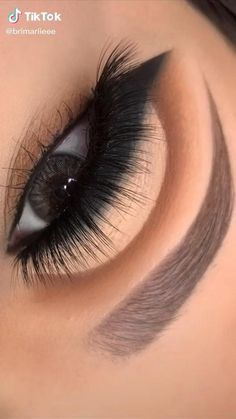 Smoke Eye Makeup, Pink Eye Makeup, Eye Makeup Steps, Eye Makeup Art, Colorful Eye Makeup, Eyebrow Makeup, Eyeshadow Makeup, Makeup Eyes, Eye Makeup Designs