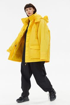 For Autumn Winter 2017, Napapijri partnered with London menswear designer Martine Rose to create an exclusive collection that takes inspiration from the 90's fusion of high end fashion and streetwear, a period with a heavy focus on outerwear in which urban youth took high end fashion from the catwalk and made it their own. Wear this layered padded jacket from Napa X Martine Rose with sweatpants and flat boots. Also available in black. Stylish Tops For Women, Fashion Details, Fashion Design, Flat Boots, Padded Jacket, High End Fashion, Exclusive Collection, Winter 2017, Parka