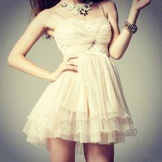 D028 Dress Puff US$93   DRESSES UP