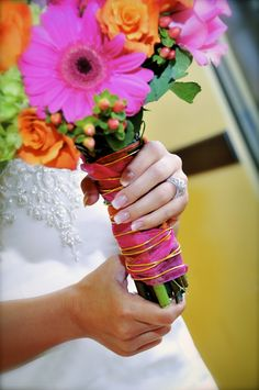 My wedding: Bright bouquet with gold wire detail