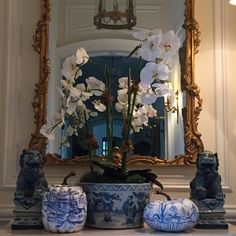"""""""#fall#chinoiserie #relishedroost#blueandwhite #theenchantedhomeshop  Cannot think of a more beautiful way to welcome fall then by bringing out my…"""""""