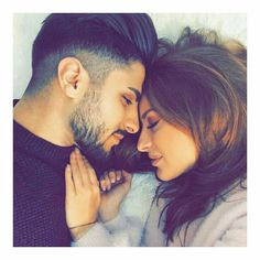 Photo Poses For Couples, Romantic Couples Photography, Couple Photoshoot Poses, Cute Couples Photos, Couple Photography Poses, Cute Couples Goals, Cute Couple Selfies, Cute Couple Images, Cute Love Couple