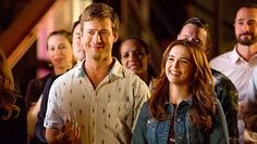 Set it ups glen powell invites you to netflix and chill with his new romcom Films On Netflix, Netflix Original Movies, Netflix And Chill, Latest Movies, New Movies, Movies To Watch, Movies Online, Romance Movies Best, Best Romantic Movies